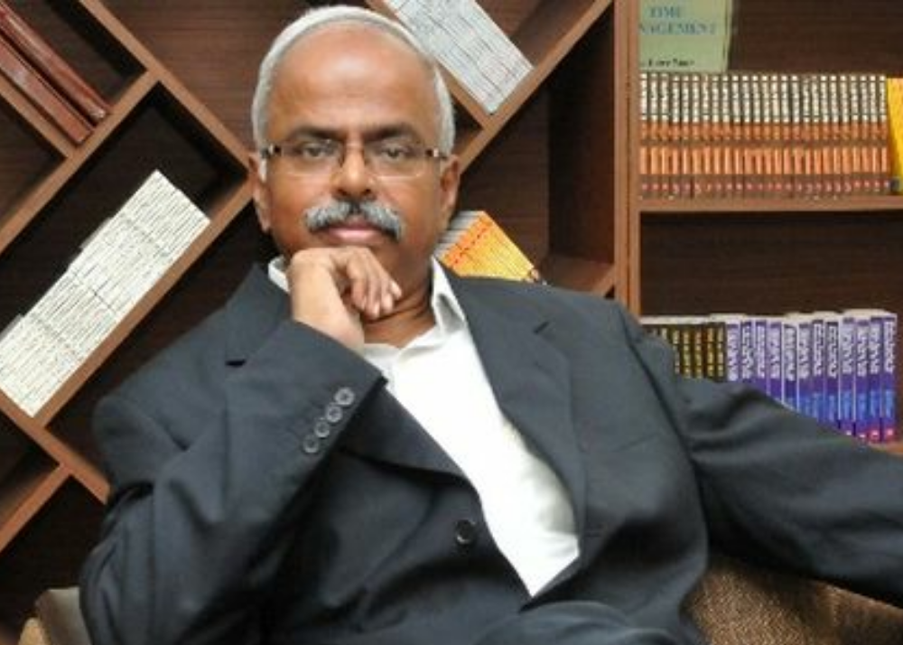 Dr Arokiaswamy Velumani The Chairman Of Thyrocare