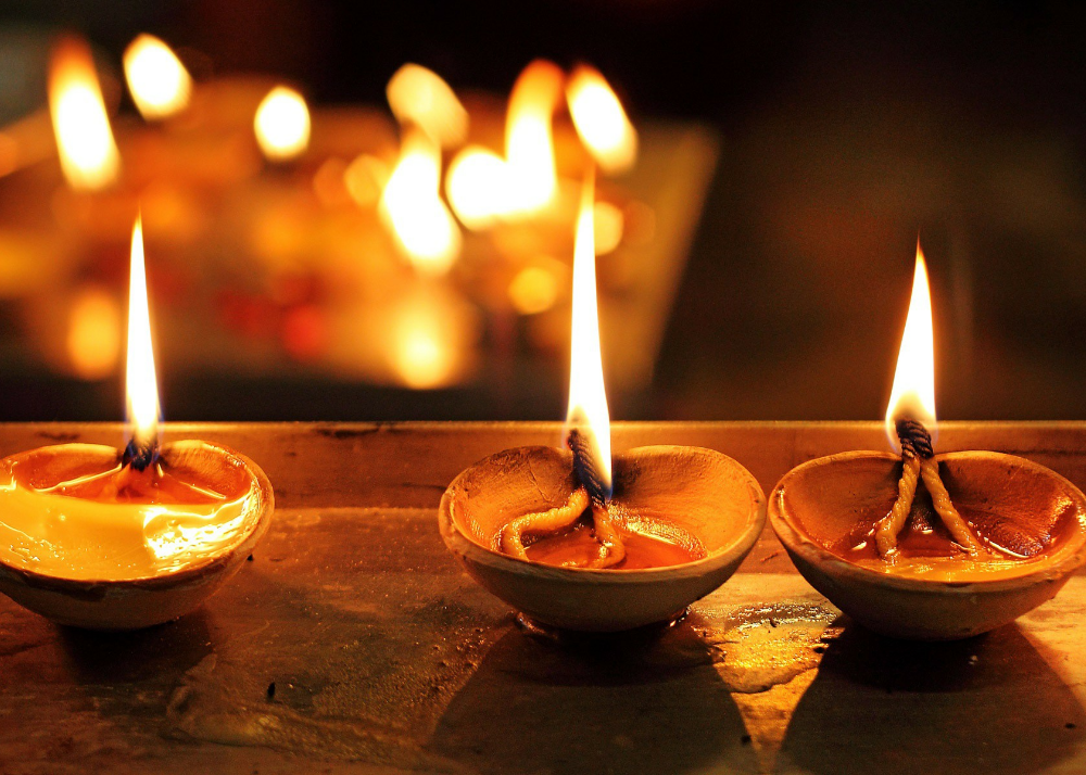 earthen lamps and Diyas