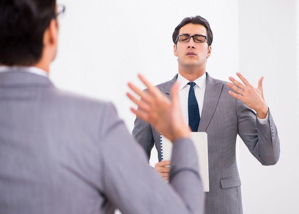 planning-speach-in-front-of-mirror