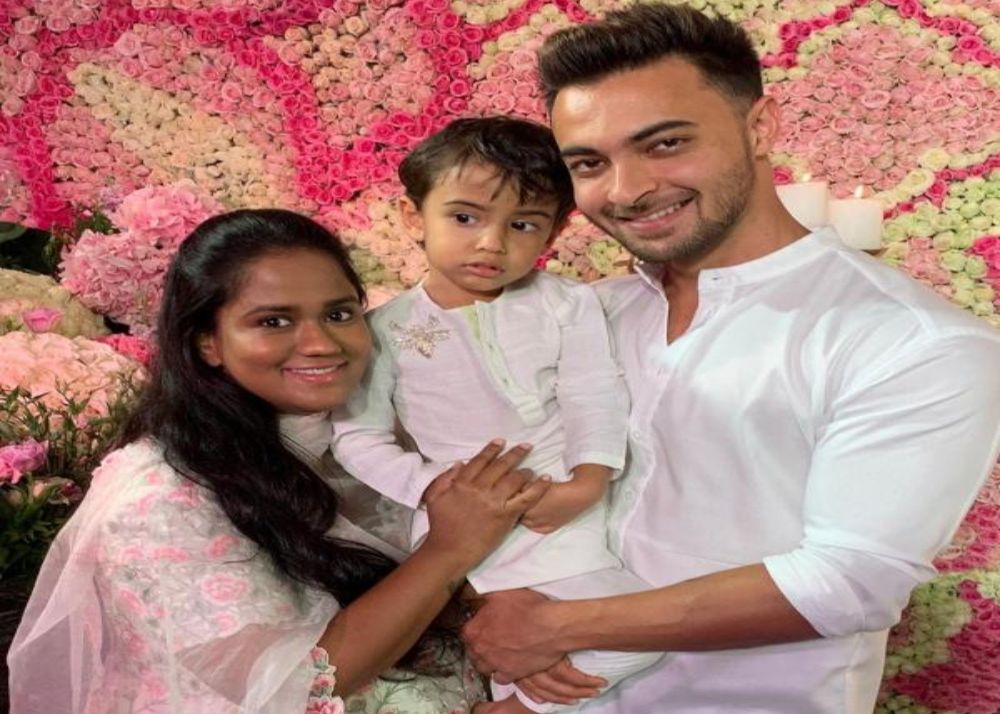 aayush_sharma_and_arpita_khan_name_their_newborn_baby_girl_ayat_
