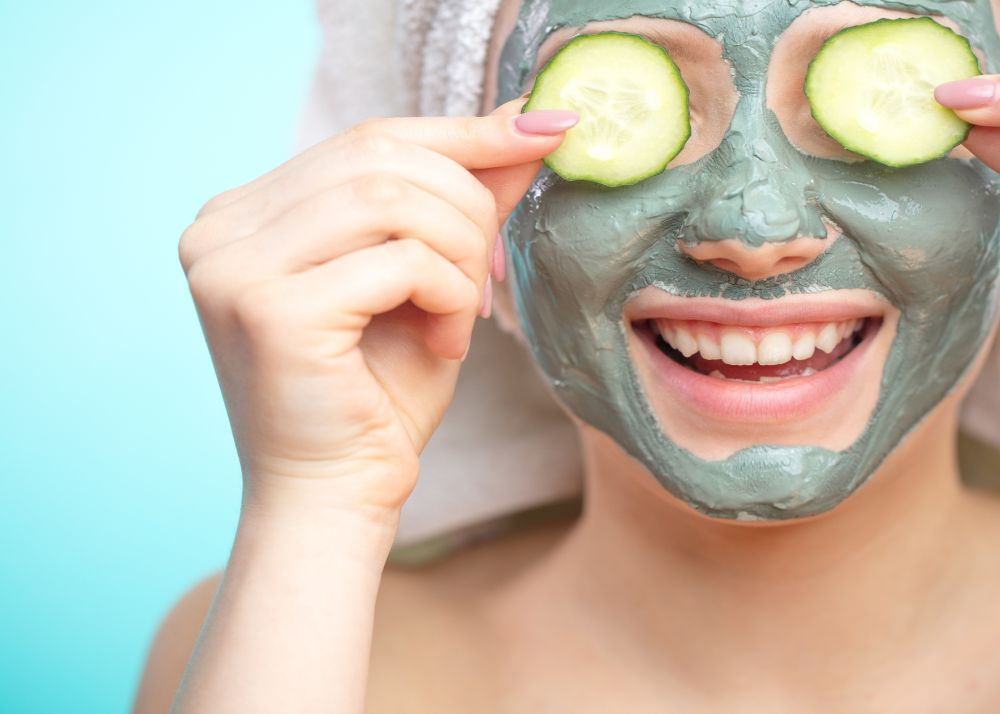 9 Simple Tips To Get Glowing Skin Without Makeup