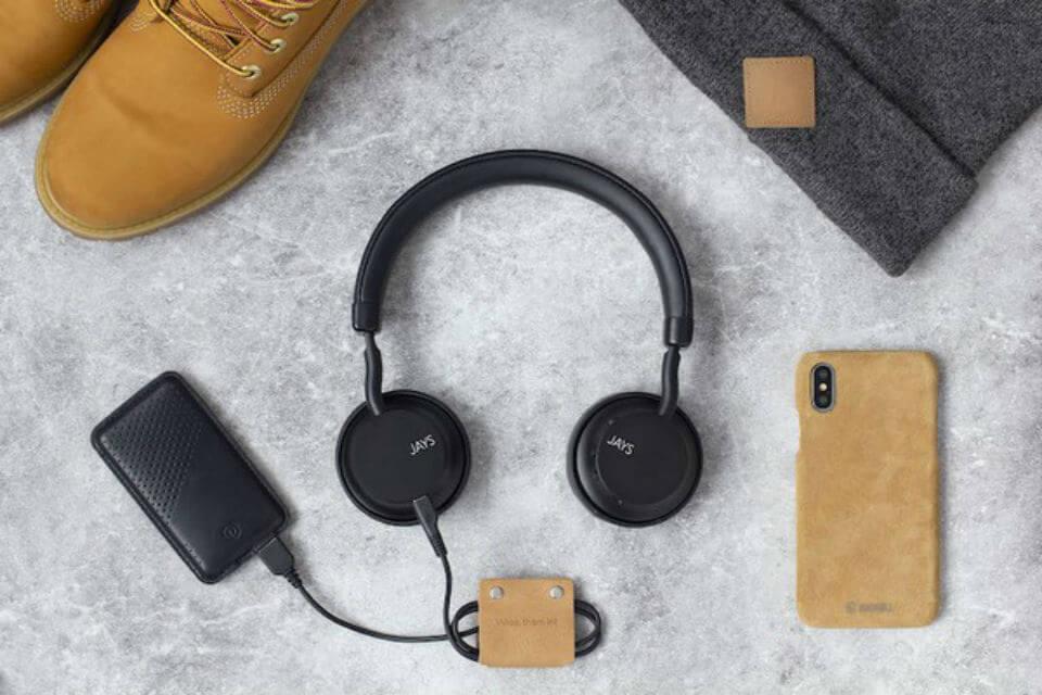 Jays a seven on ear headphone