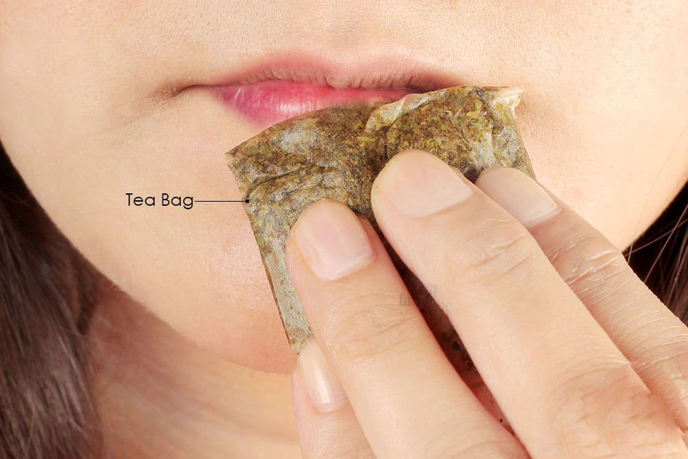tea bags on dry lips